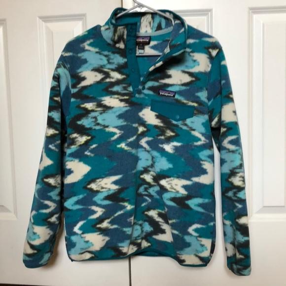 79ab132bcfcfc Women's Patagonia Synchilla Fleece Pullover. M_5c5db01abaebf6e1b05f84cd
